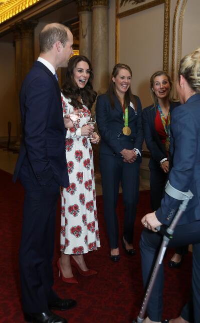 Los 50 mejores vestidos que usó Kate Middleton en 2016 GettyImages-61545...