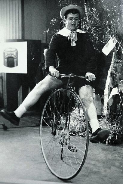 """Foto de 1955, en una de las primeras apariciones de """"Chabelo"""" en el prog..."""