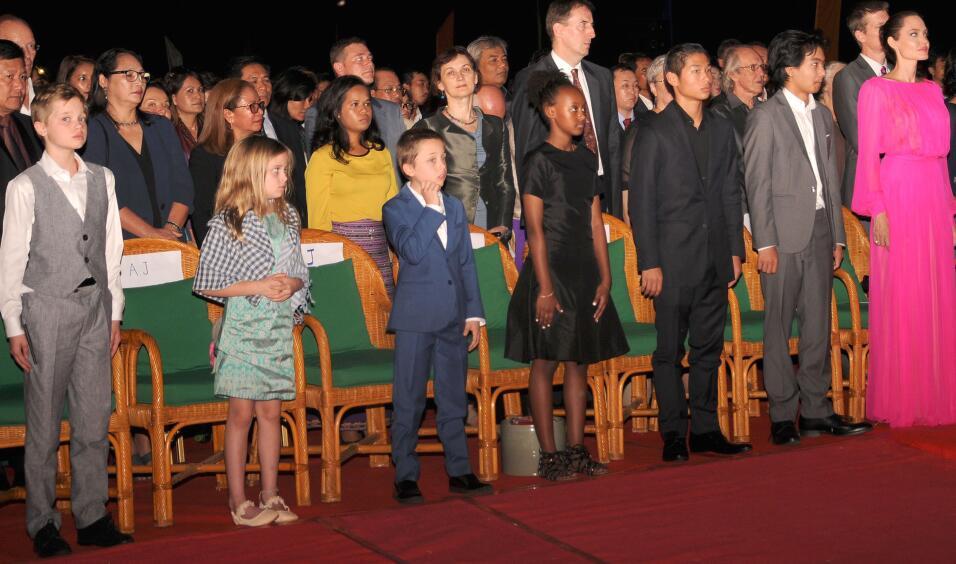 Desde la izquierda, en primera fila, Shilo, Vivienne, Knox, Sahara, Pax...