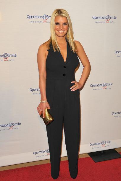 Jessica Simpson es una bella cantante, actriz y personalidad de la telev...