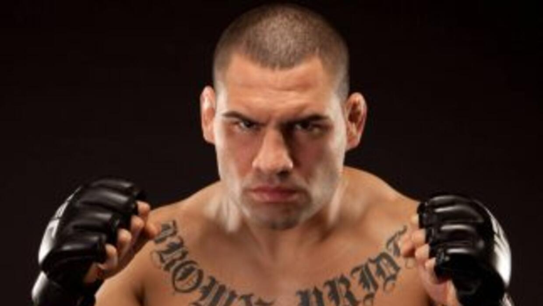 Caín Velásquez quedó fuera de la UFC 180 en México, se lastimó la rodill...