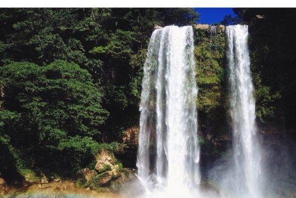 No puedes dejar de visitar esta belleza y escuchar el rugir del agua.