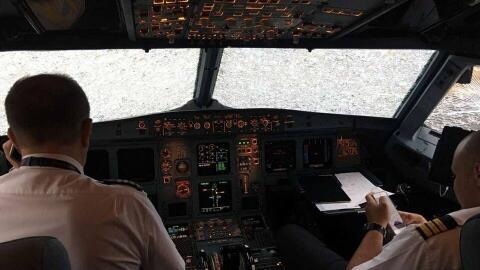 """""""En Estambul un piloto de Ucrania aterrizó un avión c..."""