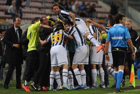 La ventaja en la tabla general de este equipo sobre Milan era de un solo...