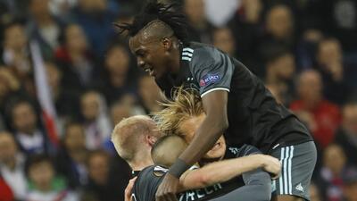 Ajax sufrió en Lyon, pero logró su boleto a Estocolmo para la final de Europa League