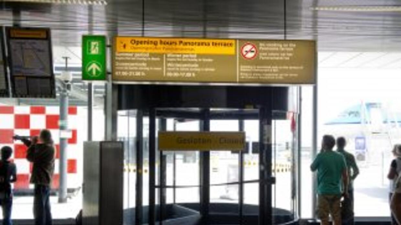 La terminal C del aeropuerto de Schiphol en la capital holandesa de Amst...