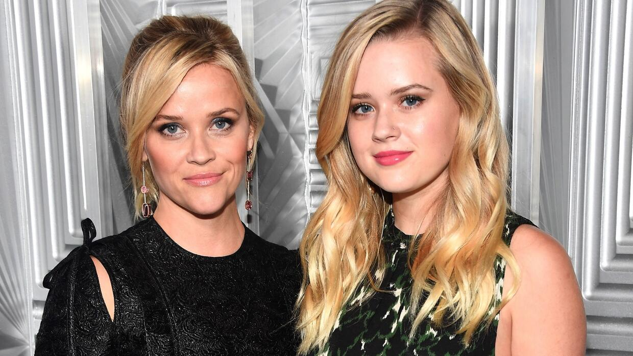 Reese Witherspoon asiste a los premios 'Woman in Hollywood' de l...