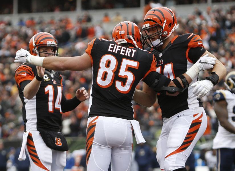 Con tres pases de TD Andy Dalton llevó a los Bengals a su novena victori...