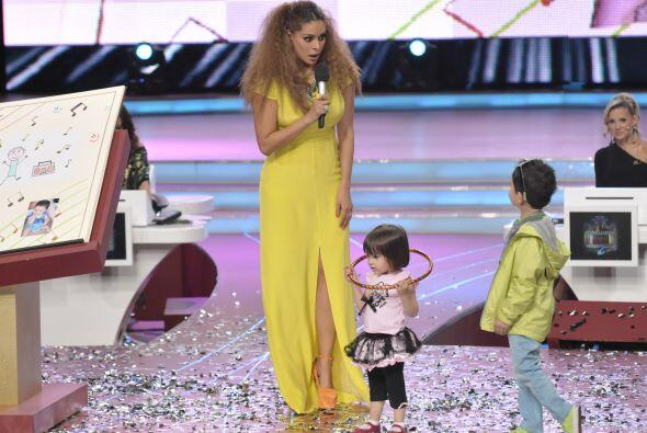 El pequeño también presentó a su simpática hermanita.