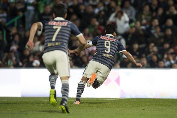 El capítán del Guadalajara abrió el marcador con un zurdazo a servicio d...