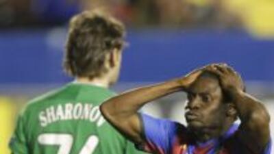 Martins aparece lamentádose una oportunidad de abrir el marcador para lo...