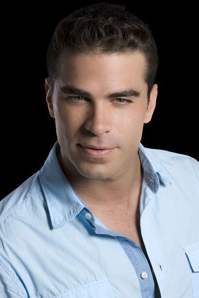 Paulo (Alejandro Nones) es un joven adinerado que se enamora de Teresa....
