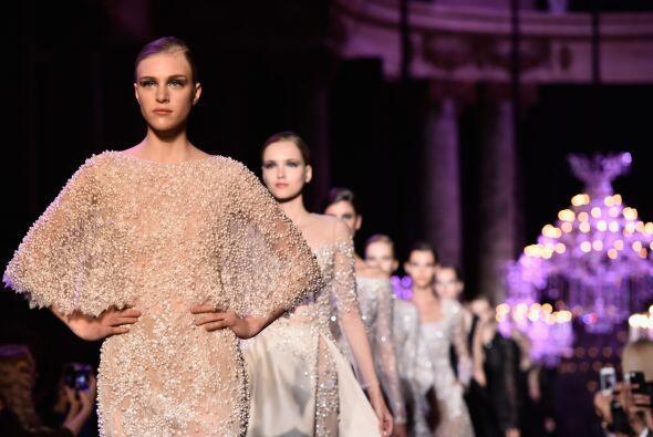 El desfile Haute Couture reunió diseños increíbles que puedes usar de in...