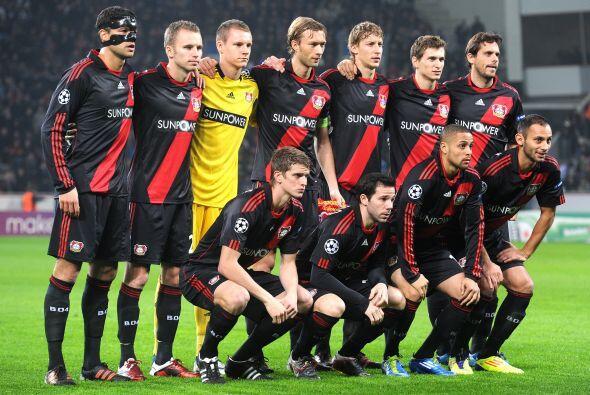 Bayer Leverkusen: Leno; Schwaab, Friedrich, Toprak, Kadlec; Reinartz, Be...
