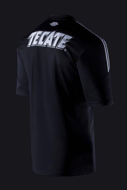 El comunicado añade que ''el tercer uniforme de Chivas, al igual que el...