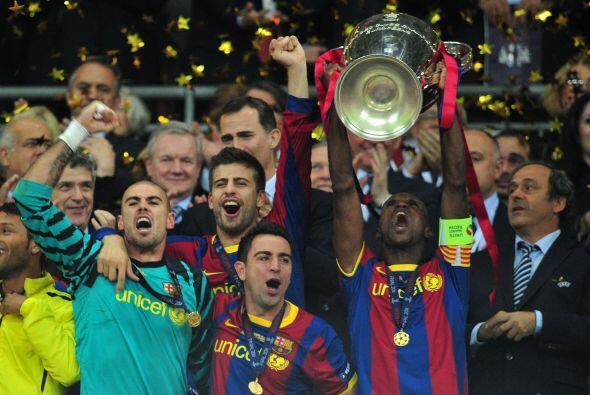 El impacto de esta imagen es enorme. Barcelona ganando su tercera 'Champ...