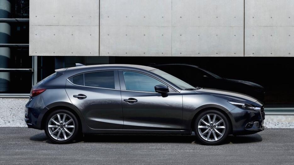 Los ocho mejores modelos 2017 que nadie compra Mazda-3-2017-1024-03.jpg