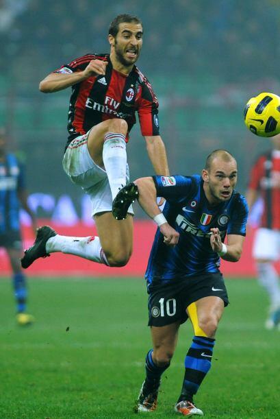 Pasaban los minutos y el impetu del Inter era nulificado por su rival.