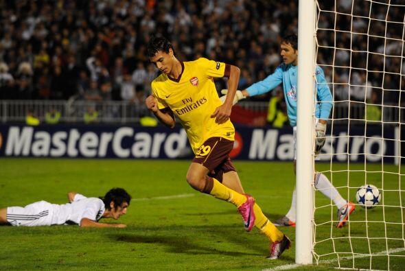 Arshavin y Chamakh fueron los líderes del club inglés, que ganó por 3-1.