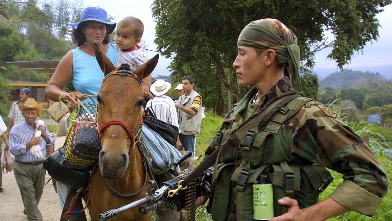 A pesar de la gran inversión militar, la presencia de grupos irregulares...