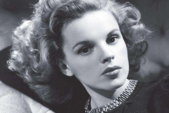 """25- Judy Garland.  La actriz de """"Wizard of Oz"""" batalló contra su adicció..."""