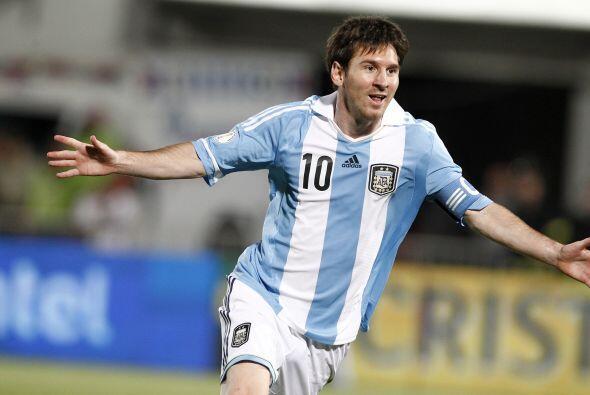Con los títulos conseguidos en el 2015 Messi se convirtió en el jugador...