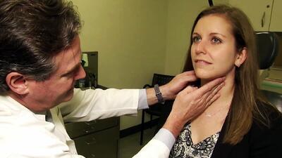 El doctor que le diagnosticó un tumor a una mujer con tan solo verla por televisión
