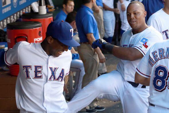 Este fin de semana los equipos de Texas de las grandes ligas se enfrenta...