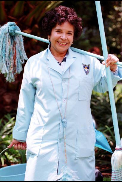 Ella es la simpática Pancha, es la señora encargada de la limpieza de la...