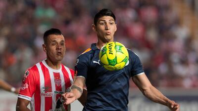 Necaxa y Chivas cierran el torneo con un divertido empate