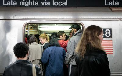 Entre los esfuerzos para combatir a depredadores sexuales en el subway,...