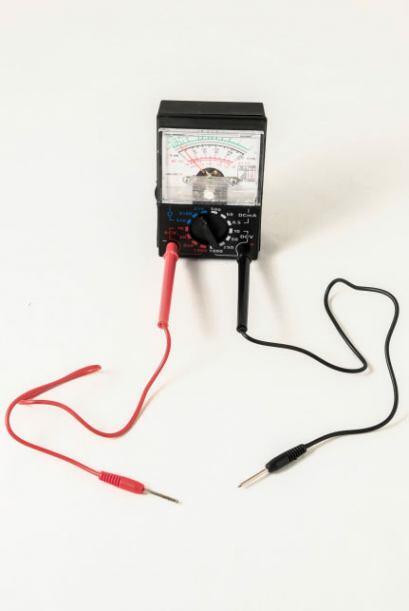 Tester eléctrico. Esta práctica herramienta es fáci...