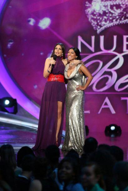 Giselle felicitó a Zuleyka por el reportaje que hizo de la premier de la...