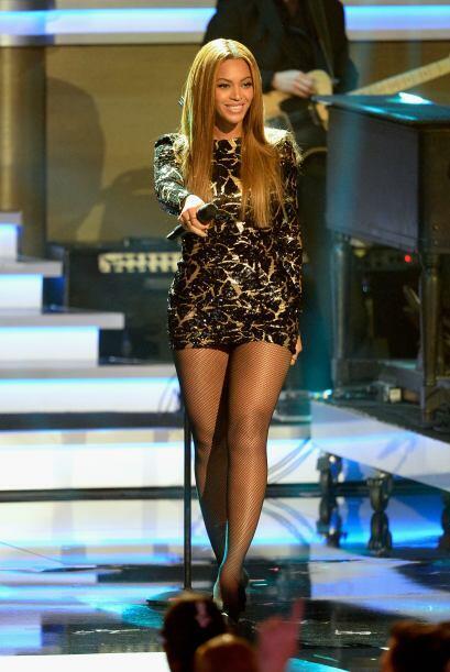 Sus piernas son uno de los atributos que más la caracterizan. Es bella d...