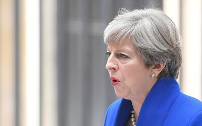 Theresa May formará un gobierno en minoría tras las elecciones británicas
