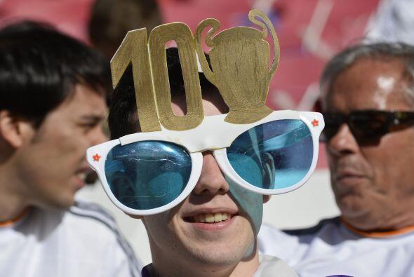 Poco a poco las gradas del estadio en Lisboa se llenaban de asistentes.