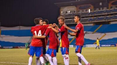 Costa Rica celebra uno de los 4 que le hizo a Santa Lucía.