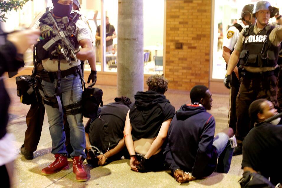 Al menos nueve personas fueron detenidos en la segunda jornada de protes...