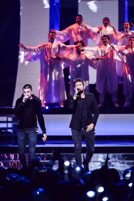 Pablo Lopez y Juanes