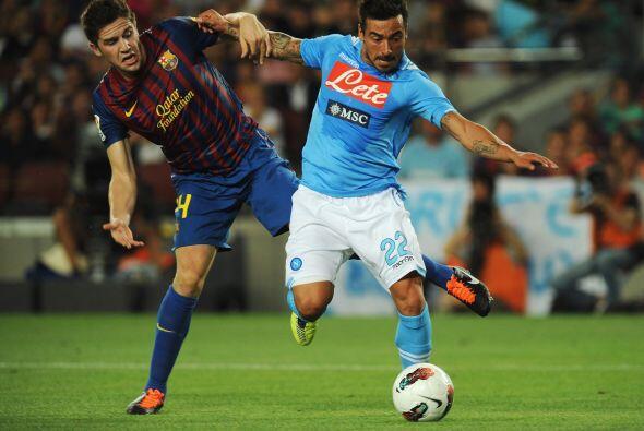 Ezequiel 'Pocho' Lavezzi estuvo a punto de marcar en favor del Nápoli, p...
