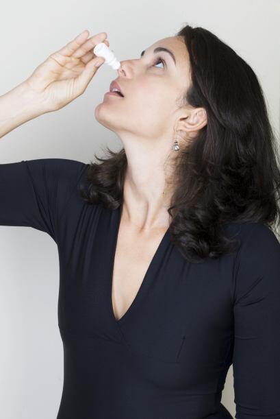 Gotas nasales. Son de venta libre, y la solución salina puede ser efecti...