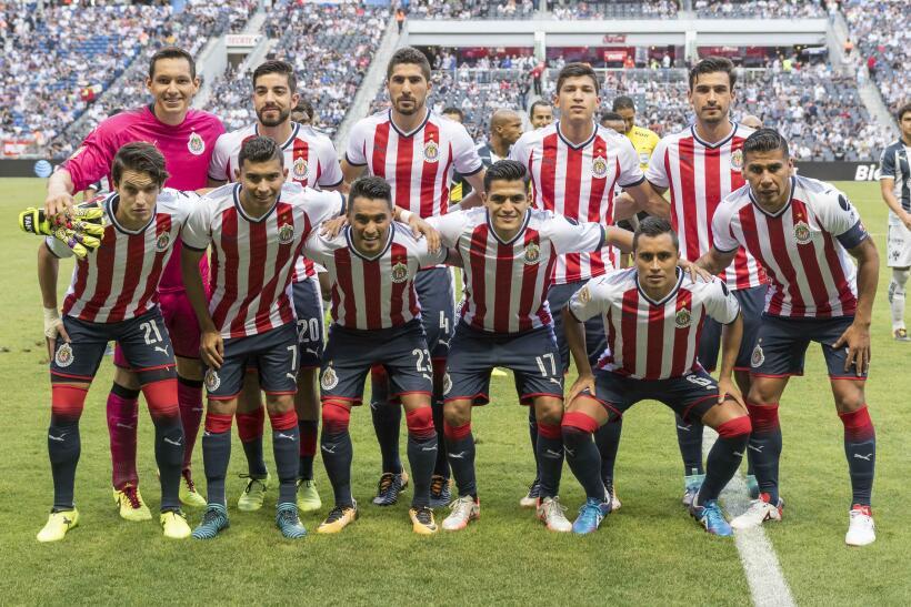 Monterrey aplastó al campeón Chivas y es líder general 20170812_3544.jpg