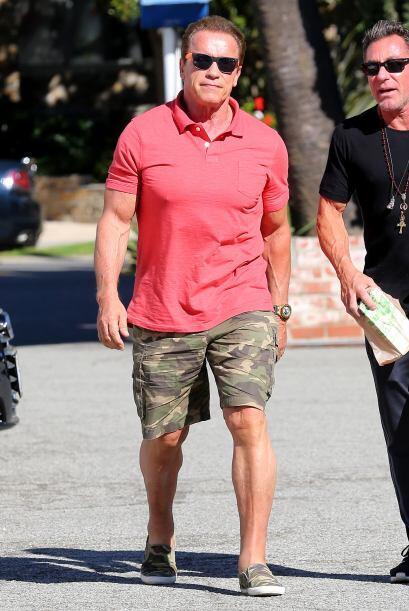 Por cierto, después de que Arnold bajó de su auto, pudimos ver que está...