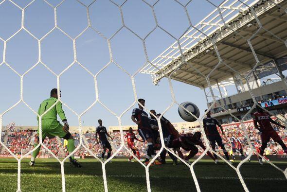 Normalmente Juan Pablo Angel da alegría a la afición con sus goles pero...