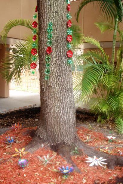 Y este árbol no se quedó atrás con este toque de color.