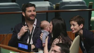 Una bebé, la curiosa asistente a la asamblea general de la ONU en Nueva York