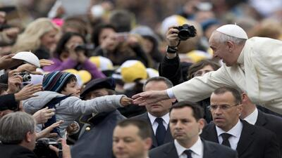 Inmigrantes le piden al Papa que abogue por ellos ante Obama