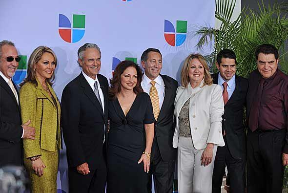 Emilio Estefan, María Elena Salinas, Ray Rodríguez, Gloria Estefan, Joe...