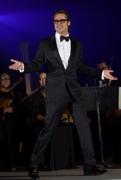 El que disfrutó su invitación fue Brad Pitt, quien gast&oa...
