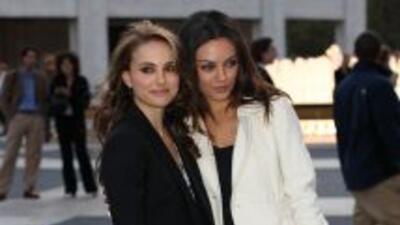 """Natalie Portman y Mila Kunis, protagonistas de """"Black Swan""""."""